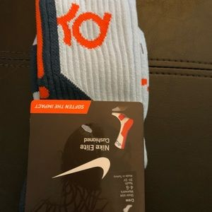Nike kd socks new size 4-6 powder blue